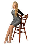 Jonge mooie vrouw in cocktailkleding Stock Fotografie