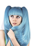 Jonge mooie vrouw met blauw haar Stock Afbeelding