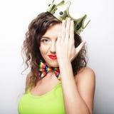 Jonge mooie vrouw met kroon Stock Foto's