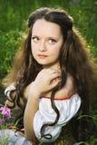 Jonge mooie vrouw met lang haar Stock Afbeelding