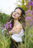 Jonge mooie vrouw met lang haar Royalty-vrije Stock Fotografie