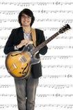 Jonge musicus het spelen gitaar Royalty-vrije Stock Afbeeldingen