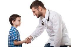 Jonge patiënt met arts Stock Foto's