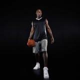 Jonge professionele basketbalspeler Stock Fotografie