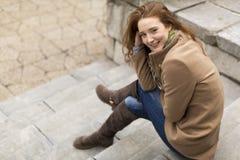 Jonge rode haarvrouw stock fotografie