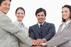 Jonge salesteam die elkaar motiveert Stock Foto's
