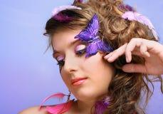 Jonge schoonheid met vlinder gezicht-kunst Royalty-vrije Stock Fotografie