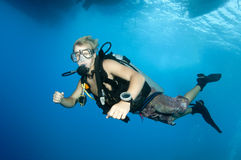 Jonge scuba-duiker stock foto