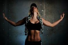Jonge sportenvrouw stock afbeeldingen