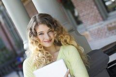 Jonge student klaar te bestuderen Stock Foto's