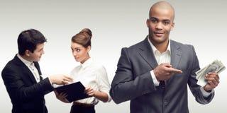 Jonge succesvolle bedrijfsmensen Stock Foto's
