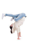 Jonge tienervrouw die op wit danst Stock Afbeelding