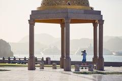 Jonge toerist in Oman stock foto's