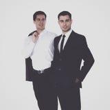 Jonge twee mensen status, geïsoleerd op witte achtergrond Royalty-vrije Stock Fotografie