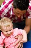 Jonge vader met babyzoon royalty-vrije stock fotografie