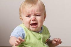 Jonge verstoord en chlid die schreeuwen Stock Fotografie