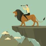 Jonge volwassen zitting op een leeuw met verrekijkers Stock Foto