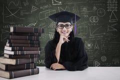 Jonge vrijgezel in het klaslokaal Stock Foto