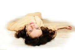 Jonge vrouw in badjas royalty-vrije stock foto