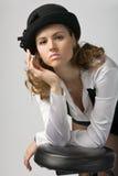 Jonge vrouw in bonnet stock afbeeldingen