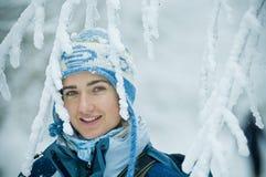 Jonge Vrouw in de winter Stock Foto