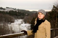 Jonge Vrouw in de winter Royalty-vrije Stock Afbeelding