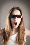 Jonge vrouw die 3d glazen draagt Stock Foto