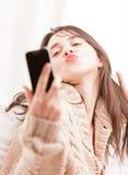 Jonge vrouw die een selfie maken Stock Afbeeldingen