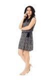 Jonge vrouw die telefoon met behulp van Stock Fotografie