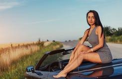 Jonge vrouw in een fotospruit Royalty-vrije Stock Afbeelding