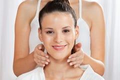 Jonge Vrouw in Health Spa royalty-vrije stock foto
