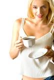 Jonge vrouw het drinken koffie Stock Afbeeldingen