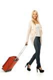 Jonge vrouw klaar te reizen Stock Foto