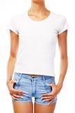 Jonge vrouw in lege witte t-shirt Royalty-vrije Stock Afbeeldingen