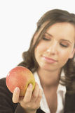 Jonge vrouw met appel Stock Foto's
