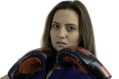 Vrouw met bokshandschoen Stock Afbeeldingen
