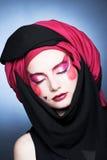 Jonge vrouw met creatieve samenstelling Royalty-vrije Stock Afbeelding