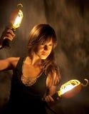 Jonge Vrouw met de Lichten van het Werk Royalty-vrije Stock Afbeeldingen