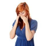 Jonge vrouw met de pijn van de sinusdruk Royalty-vrije Stock Afbeeldingen