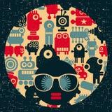 Jonge vrouw met donkere huid en creatieve tulband op haar hoofd Stock Afbeeldingen