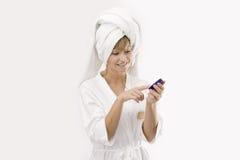 Jonge vrouw met een roomdoos Royalty-vrije Stock Fotografie
