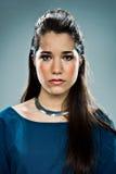 Jonge Vrouw met Ernstige Uitdrukking Royalty-vrije Stock Afbeelding