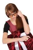 Jonge vrouw met gift Stock Afbeelding