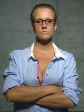 Jonge vrouw met glazen Stock Afbeeldingen
