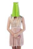 Jonge vrouw met het winkelen zak op het hoofd Stock Foto