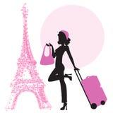 Jonge vrouw met koffer in Parijs Stock Afbeelding