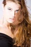 Jonge vrouw met lang haar Royalty-vrije Stock Afbeelding