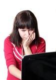 Jonge vrouw met laptop Royalty-vrije Stock Fotografie