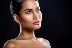 Jonge vrouw met perfecte huid stock foto's