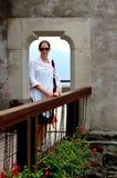 Jonge vrouw op een reis Stock Foto